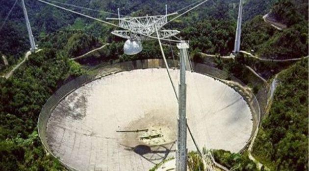Τέλος εποχής: Κατέρρευσε το γιγάντιο ραδιοτηλεσκόπιο του Αρεσίμπο (Photos)