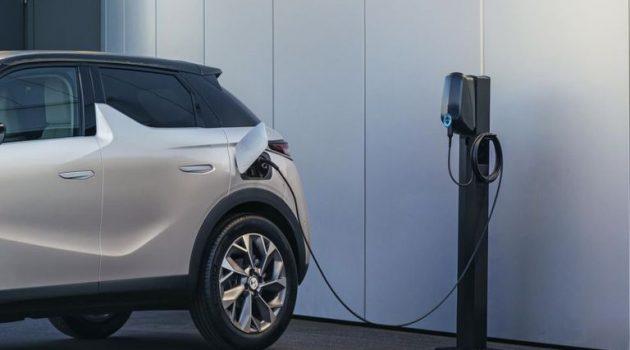 Ηλεκτρικά αυτοκίνητα: Ελεύθερη η στάθμευση στα κέντρα των πόλεων