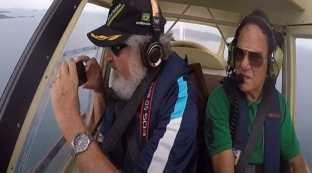 Κινητό έπεσε από παράθυρο αεροπλάνου και κατέγραψε την πτώση (Video)