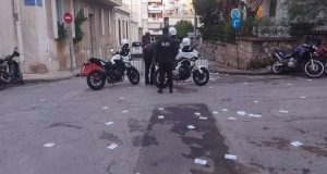 Γρηγορόπουλος: Επίθεση στο Α.Τ. Κολωνού – 4 αστυνομικοί τραυματίες
