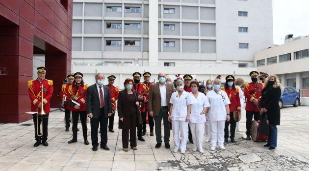 Πάτρα: Η μπάντα του Δήμου σε Νοσηλευτήρια της πόλης (Photos)