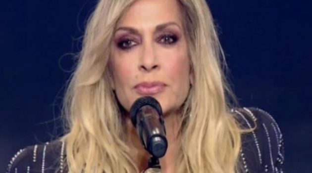 «J2US» – Τελικός: Όταν η Άννα Βίσση χαιρέτησε τη Δέσποινα Βανδή! (Video)