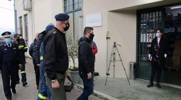 Ιωάννινα: Επίσκεψη Χαρδαλιά στις εγκαταστάσεις φύλαξης των εμβολίων