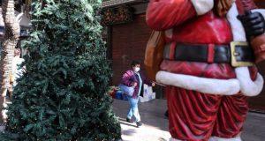 Αγωνία για τη νέα «έκρηξη» κρουσμάτων – Χριστούγεννα όπως… Πάσχα