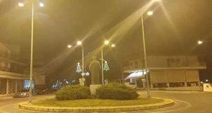 «Φόρεσε» τα Χριστουγεννιάτικα το Καινούργιο Αγρινίου (Photos)