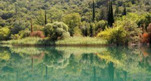 Μαγεύουν οι αντικατοπτρισμοί στην τεχνητή λίμνη του Καστρακίου (Video –…