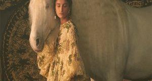 Η Μαρία Γκράτσια Κιούρι ερμηνεύει τα ταρώ στη συλλογή Dior…