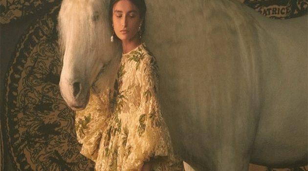 Η Μαρία Γκράτσια Κιούρι ερμηνεύει τα ταρώ στη συλλογή Dior Couture SS/2021