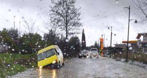 Αγρίνιο – Διαμαντέικα: Υποχώρησε το οδόστρωμα – Προβλήματα στην κυκλοφορία