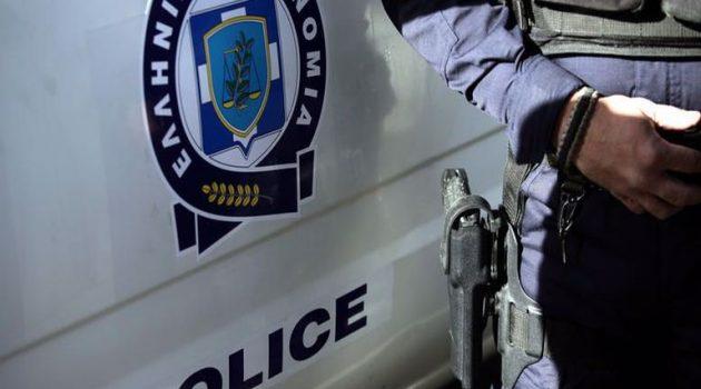 Έκλεψαν 15.000 ευρώ από αστυνομικό μέσα σε αστυνομικό τμήμα στα βόρεια προάστια