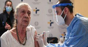 Ξεκινά σήμερα ο εμβολιασμός των άνω των 85 ετών