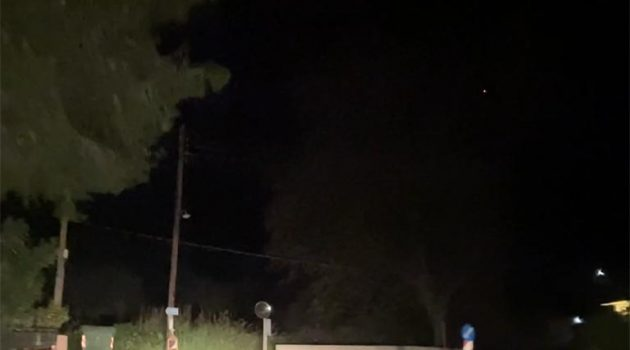 Στα σκοτάδια ο κεντρικός δρόμος της Γαβρολίμνης