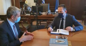 Συνάντηση Καραγκούνη – Πέτσα για τις καταστροφές στην Αιτ/νία
