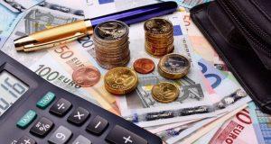 «Επιστρεπτέα προκαταβολή» 6: Ποιοι δικαιούνται χρήματα – Δημοσιεύτηκε η Κ.Υ.Α.