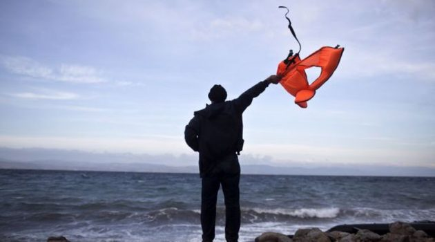 Χίος: Διάσωση ναυαγού που «ταξίδευε» με ξύλινη σχεδία