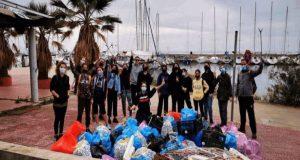 Πάτρα: Είναι η ομάδα «project Κα.Πα.» και «καθαρίζουν» για όλους…