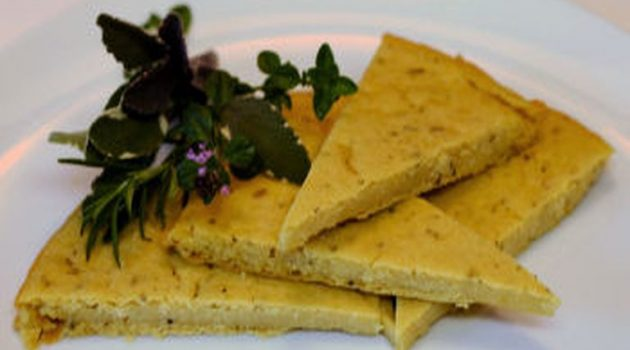 Socca ή Farinata: Το αλλιώτικο ψωμί χωρίς γλουτένη και χωρίς ζύμωμα!