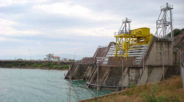 Προσοχή: Απότομες αυξομειώσεις των ποσοτήτων νερού του Αχελώου