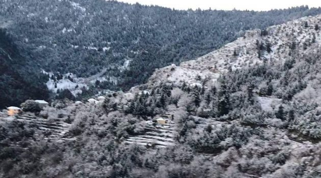 Χιονισμένο το Αργυρό Πηγάδι του Θέρμου (Photo)