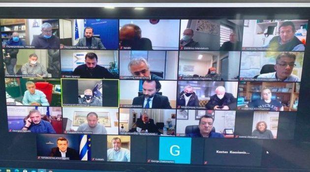 Τηλεδιάσκεψη Περιφερειαρχών με Χρυσοχοΐδη, Πέτσα, Χαρδαλιά, για το νέο κύμα κακοκαιρίας