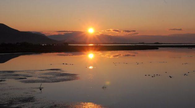 Γλυκοχάραμα και ανατολή στη λιμνοθάλασσα του Αιτωλικού (Photos)