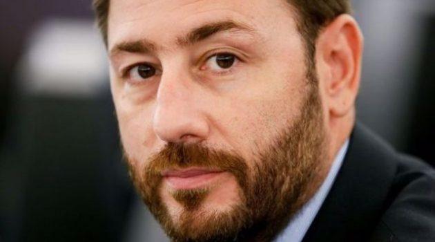«Αναγκαίες διευκρινήσεις μετά τη συζήτηση για την πανδημία στη Βουλή», του Ν. Ανδρουλάκη