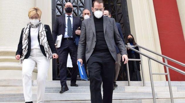 Στη Δικαιοσύνη ο Ν. Φαρμάκης για τα 30 εκ. ευρώ στις επιχειρήσεις της Δ. Ελλάδας (Video – Photos)