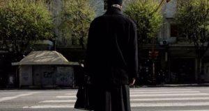Πάτρα: Θετικός στον ιό ιερέας που χλεύαζε τους πιστούς που…
