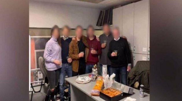 Οργή για το κορωνοπάρτι μέσα στη Γενική Αστυνομική Διεύθυνση Αττικής