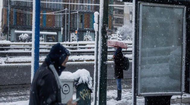 «Μήδεια»: Εικόνες μιας… άλλης Αθήνας – «Σκεπάστηκε» από το χιόνι