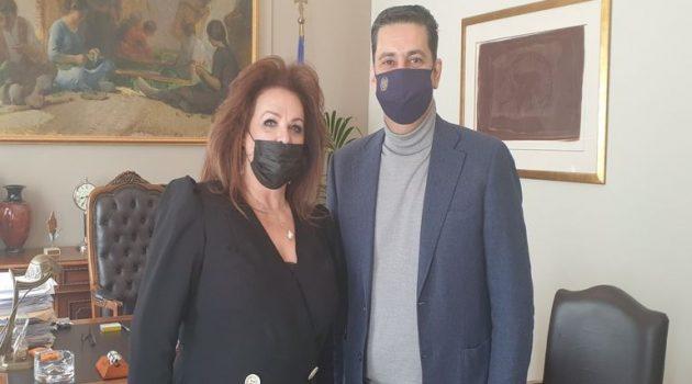 Συνάντηση Γ. Παπαναστασίου με τη νέα υπεύθυνη της Ακτίνας Εθελοντισμού Β. Αρτίκου