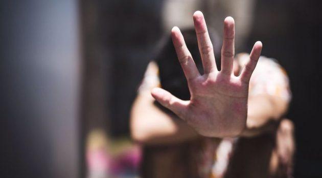 Αγρίνιο: Ανταλλαγή ύβρεων, βίας και μηνύσεων μεταξύ πατέρα και κόρης