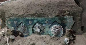 Μεγάλη ανακάλυψη στην Πομπηία: Στο φως άθικτο ρωμαϊκό άρμα (Photos)