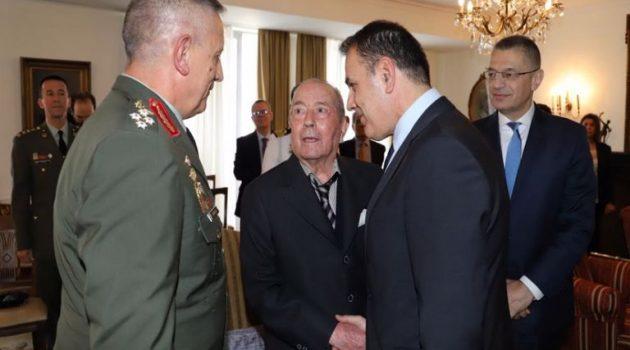 Ιάκωβος Τσούνης: Χαρίζει την περιουσία του στις Ελληνικές Ένοπλες Δυνάμεις (Video)