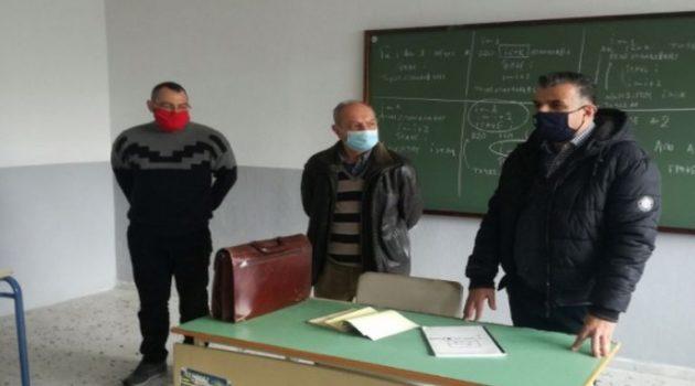 Ο Αντιδήμαρχος Χρήστος Ζαρκαβέλης στο 3ο και 4ο Λύκειο Αγρινίου (Photo)