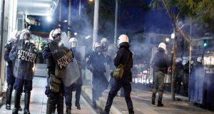 Σύσσωμη καταδίκη της αστυνομικής βίας από την αντιπολίτευση