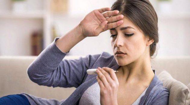 Δέκατα πυρετού: Τι μπορεί να κρύβουν και ποιες είναι οι πιθανές επιπλοκές;