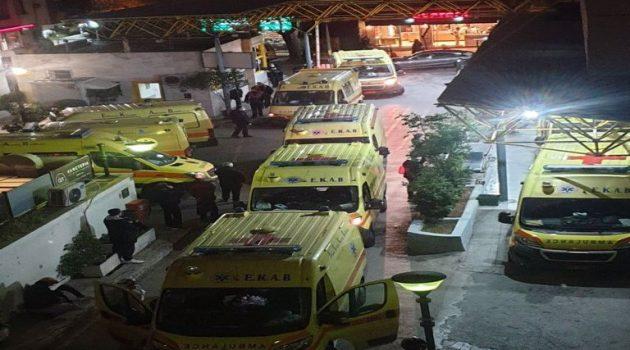 Απελπιστική εικόνα στον «Ευαγγελισμό»: Δεν σταματούν να φτάνουν ασθενοφόρα