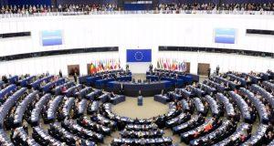 Πιστοποιητικό εμβολιασμού: Με τη διαδικασία του κατεπείγοντος στο Ευρωπαϊκό Κοινοβούλιο
