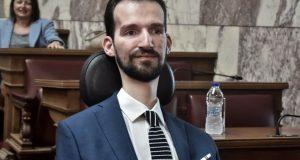 Αντιδράσεις για Κυμπουρόπουλο: Ενέκρινε ψήφισμα κατά του δικαιώματος στην άμβλωση