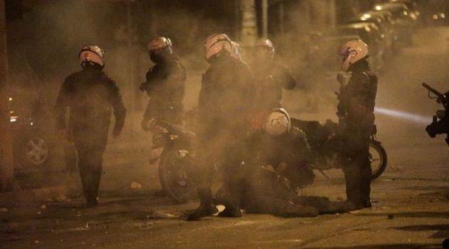 Δίωξη για απόπειρα ανθρωποκτονίας σε συλληφθέντα για την επίθεση στον αστυνομικό