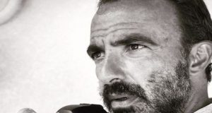 Νίκος Αλιάγας: Το πάθος για τον φακό, η «δύσκολη» Τζολί…