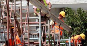 Δύο θανατηφόρα εργατικά ατυχήματα καταγγέλουν οι οικοδόμοι των Πατρών