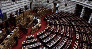 Βουλή: Μαίνεται η αντιπαράθεση για την ψήφο των αποδήμων