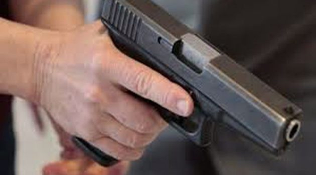 Αγρίνιο: Άγνωστος εισέβαλε σε κατάστημα με όπλο και έκλεψε 80 ευρώ