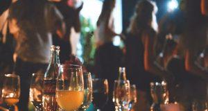 Σύλληψη υπεύθυνης μπαρ στο Αγρίνιο για διατάραξη κοινής ησυχίας