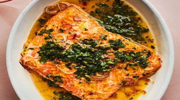 Σολωμός φούρνου με σάλτσα λεμονιού και πορτοκαλιού