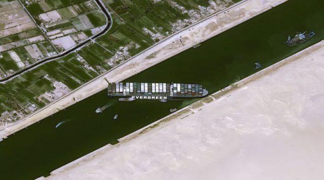 Διώρυγα Σουέζ: 321 πλοία εγκλωβισμένα