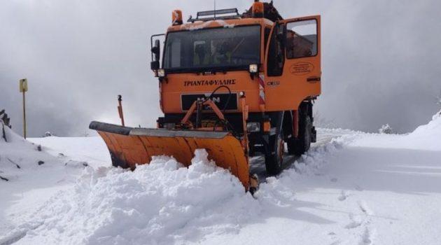 «Το έστρωσε» στην Ορεινή Ναυπακτία – Επιχειρούν μηχανήματα της Περιφέρειας (Video)