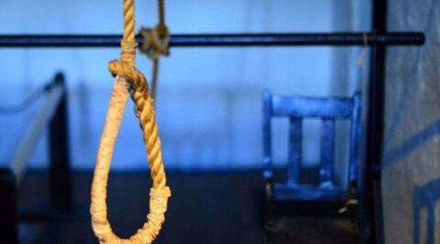 Λεσίνι: Βρέθηκε κρεμασμένος από ένα ξύλο στον στάβλο του
